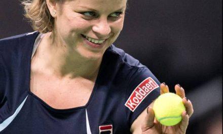 Clijsters beats Venus in farewell match