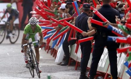 Daniel Moreno takes Vuelta lead with 2nd stage win