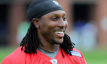 Roddy White calls Twitter follower a 'peasant'