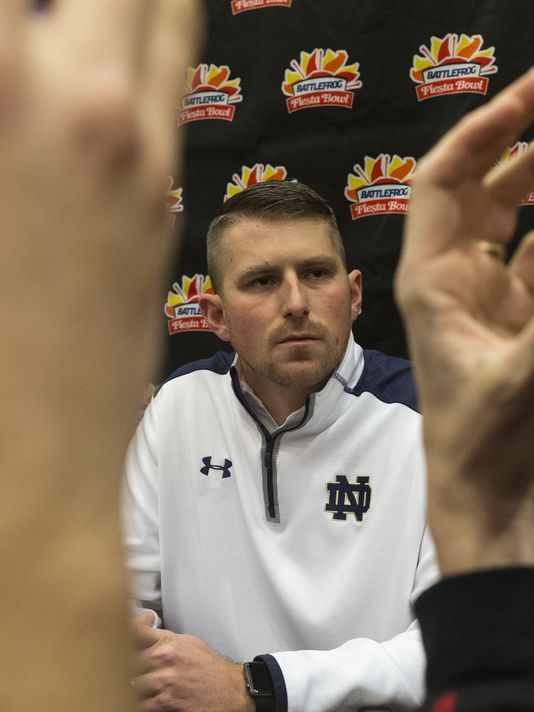 Western Kentucky hires Notre Dame assistant Mike Sanford as coach | Seattle Metro Magazine