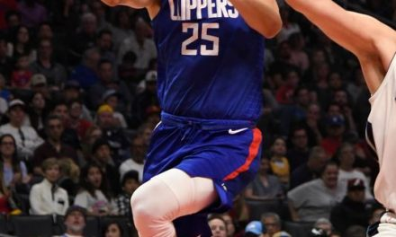 Clippers trading Austin Rivers to Wizards for veteran center Marcin Gortat