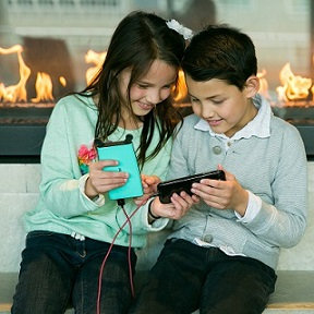 Modern Moms Approve of Beezer Mobile Power Banks to the Rescue | Seattle Metro Magazine